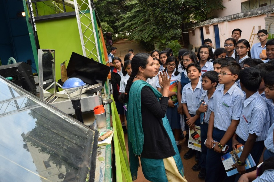 A demonstration on uses of solar energy for grade 6 for Solar energy information for students